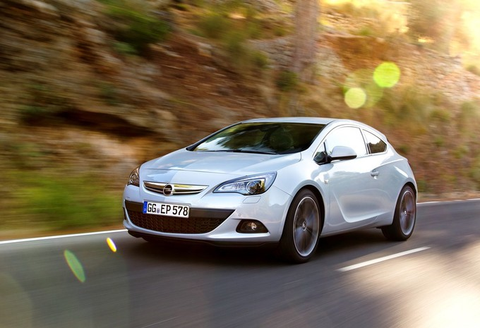 Le 1.6 CDTI dans l'Opel Astra GTC #1