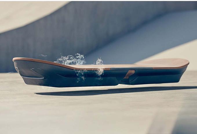 Lexus veut lancer l'«hoverboard» de «Retour vers le Futur» #1