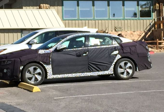 Kia Optima Hybrid getest in Californië #1
