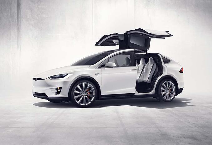Tesla : le nouveau SUV Model X enfin dévoilé officiellement #1