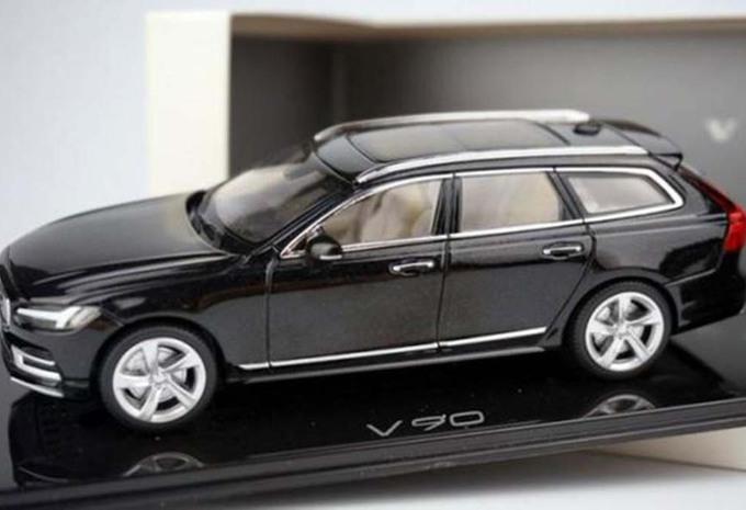 Volvo : la future V90 se dévoile… en miniature #1