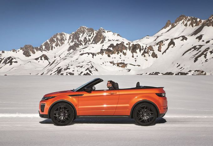 range rover evoque cabriolet prendre le soleil hors. Black Bedroom Furniture Sets. Home Design Ideas