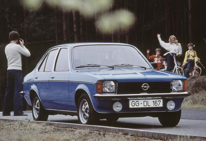 youngtimer opel kadett c moniteur automobile. Black Bedroom Furniture Sets. Home Design Ideas