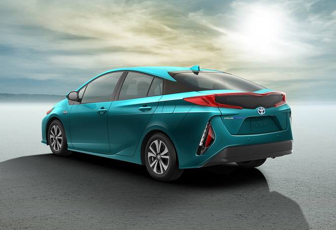 toyota prius prime plug inhybrideversie autogids. Black Bedroom Furniture Sets. Home Design Ideas