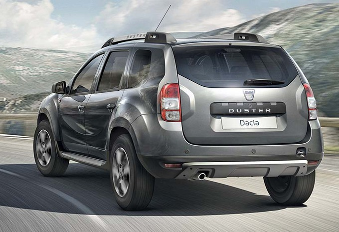 dacia duster bient t avec 7 places moniteur automobile. Black Bedroom Furniture Sets. Home Design Ideas