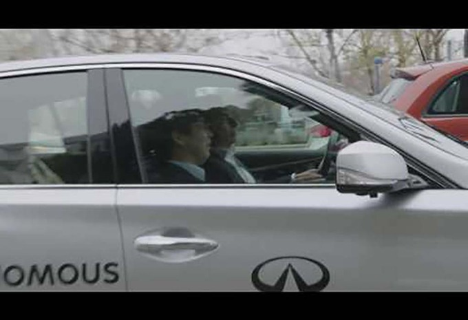 Infiniti: Carlos Ghosn test zelfstandige auto #1