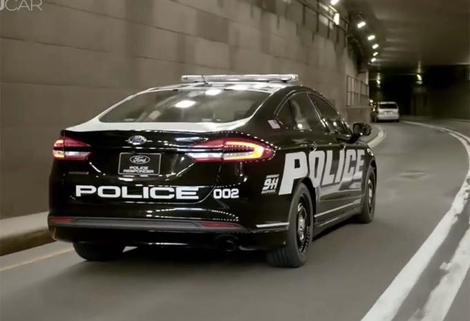 la police am ricaine passe l hybride moniteur automobile. Black Bedroom Furniture Sets. Home Design Ideas