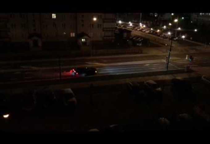 Dodge Challenger Hellcat: nachtelijke burn-out #1