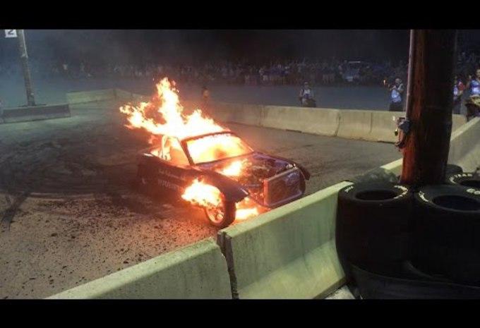 Le V8 dans sa Miata explose : vite une bière  #1