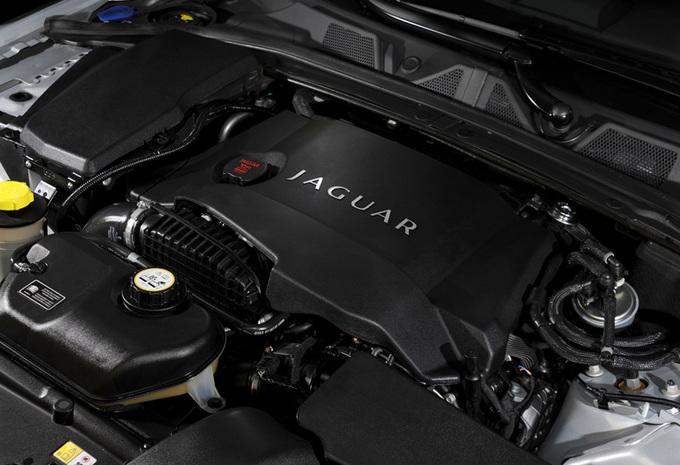 jaguar et land rover croient en l avenir du diesel moniteur automobile. Black Bedroom Furniture Sets. Home Design Ideas