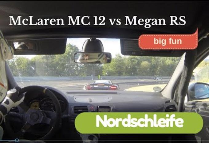 McLaren MP4-12C kan Mégane RS niet van zich afschudden #1