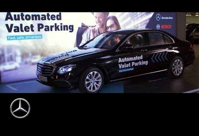 VIDÉO - Un parking automatique signé Daimler #1