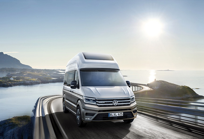 Volkswagen Crafter vervelt tot California XXL #1