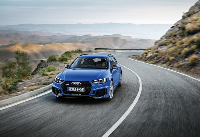 Aan de kant voor de nieuwe Audi RS 4 #1