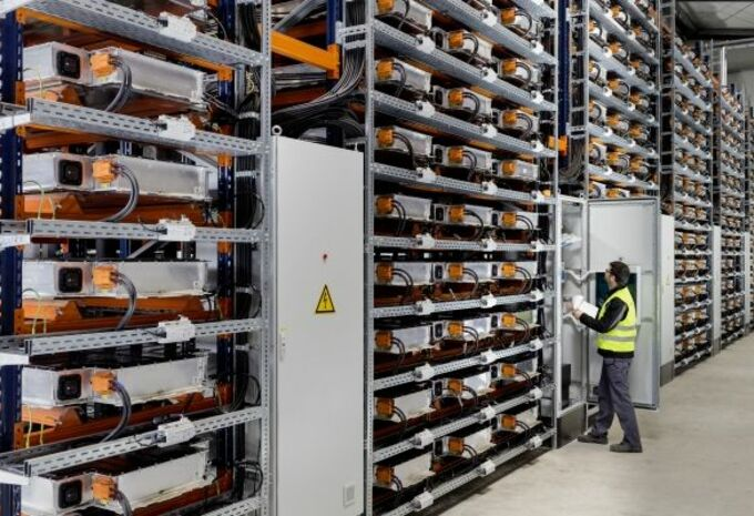 Batteries : BMW investit et recycle #1