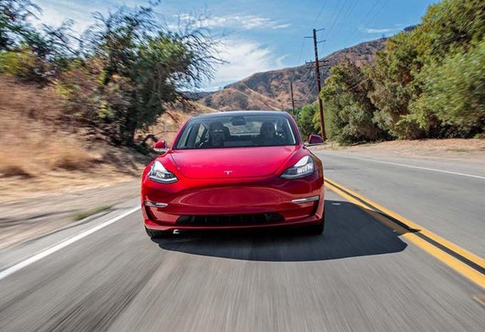 Tesla Model 3 gehomologeerd voor 499 kilometer #1