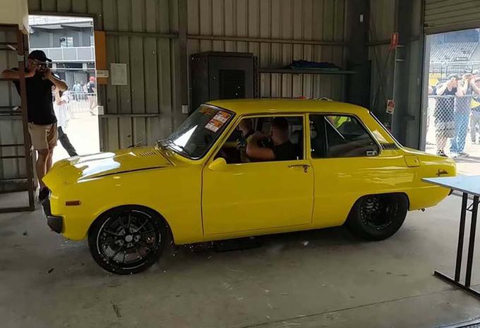INSOLITE – Il explose le moteur rotatif de sa Mazda Familia #1