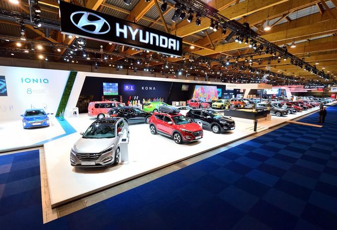 visite virtuelle stand hyundai salon de l 39 auto bruxelles 2018 moniteur automobile. Black Bedroom Furniture Sets. Home Design Ideas