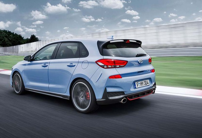 hyundai i30 n la golf gti ne tient pas sur circuit. Black Bedroom Furniture Sets. Home Design Ideas