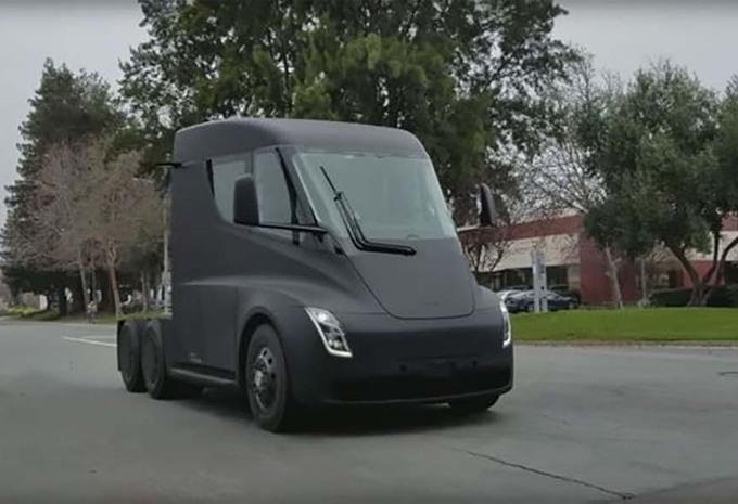 Tesla Semi : sans caméras et avec rétroviseurs #1