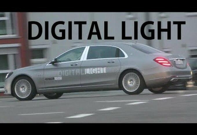 VIDEO – Mercedes test zijn intelligente koplampen op de openbare weg #1