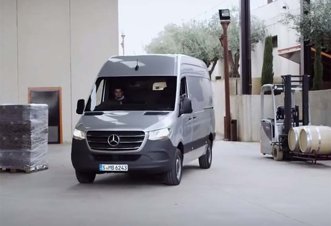 new mercedes sprinter 2018 moniteur automobile. Black Bedroom Furniture Sets. Home Design Ideas