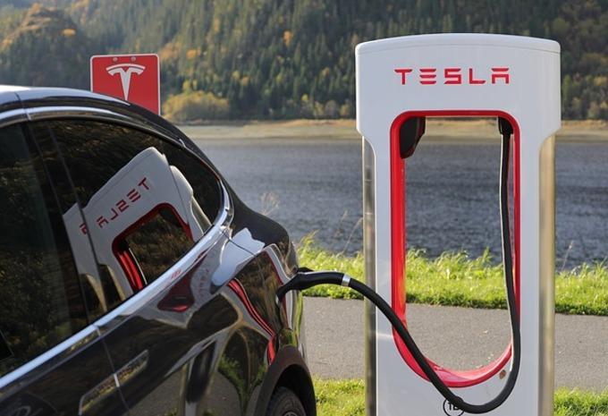 Tesla zoekt lithiumleverancier #1