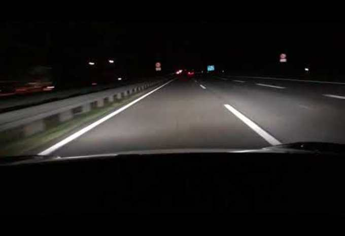 Tesla Model 3 plankgas op de Autobahn #1