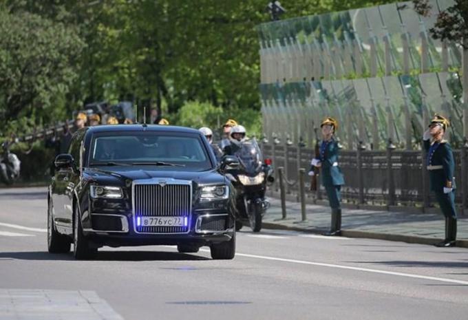 Vladimir Poetin rijdt Russisch #1