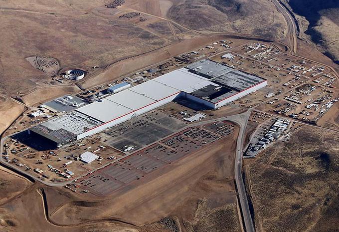 Tesla : des usines en Chine et en Europe #1