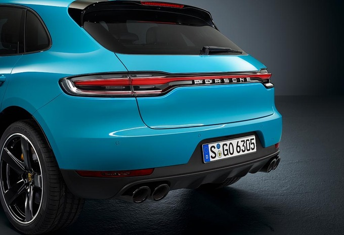 photos porsche macan restylage connect moniteur automobile. Black Bedroom Furniture Sets. Home Design Ideas