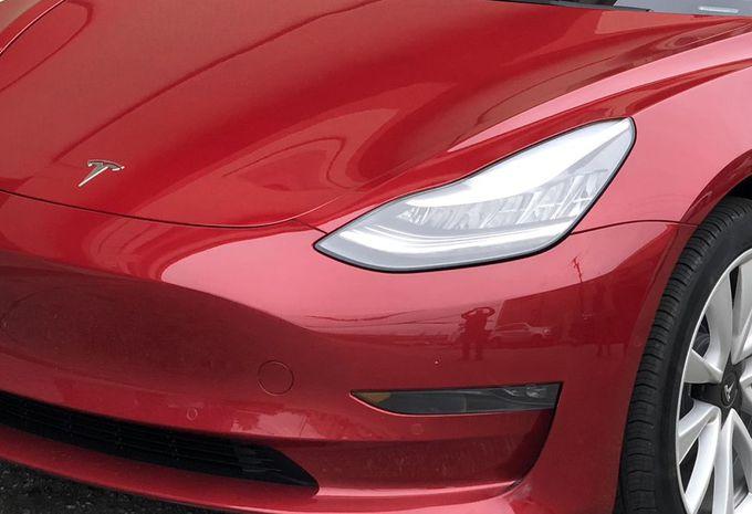 Tesla brevète les clignotants automatisés #1