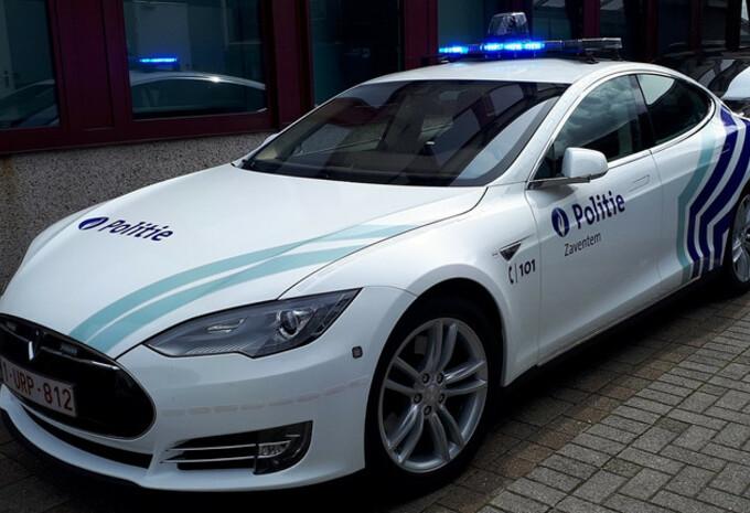 Politie van Zaventem rijdt met Tesla #1