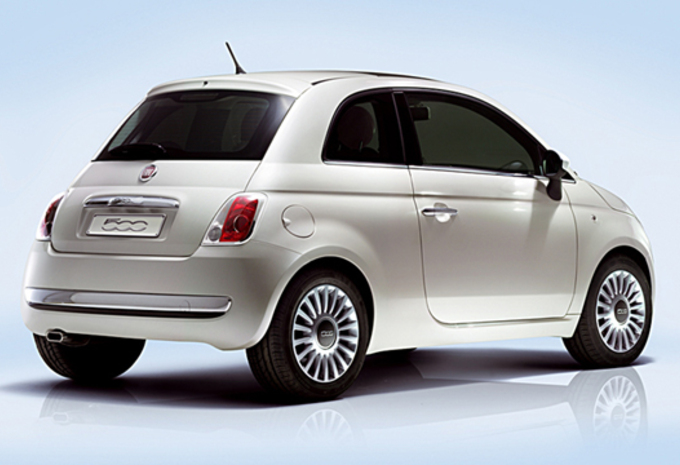 photos fiat 500 moniteur automobile. Black Bedroom Furniture Sets. Home Design Ideas
