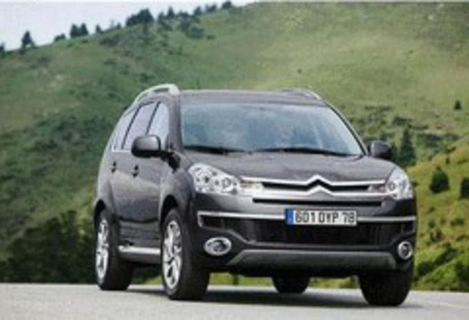 Citroën C-Crosser essence #1
