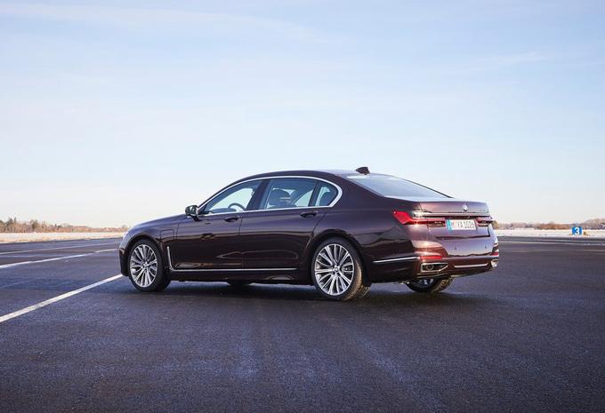 BMW 745e : À recharger #1