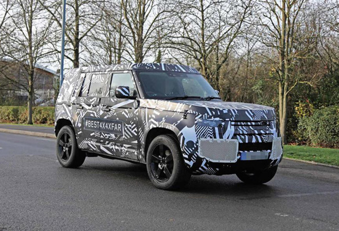 Land Rover Defender 2020 : son habitacle en fuite #1