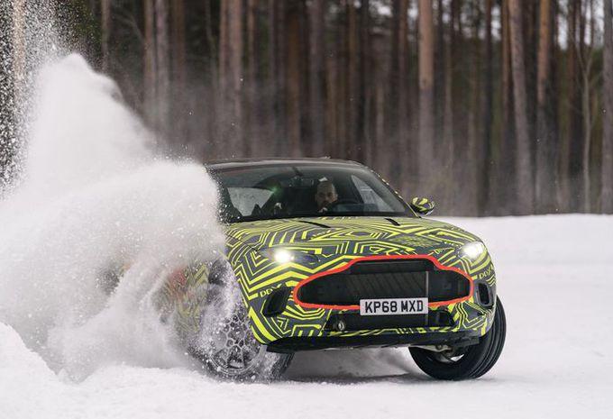 VIDEO - Aston Martin test zijn DBX in Zweden #1