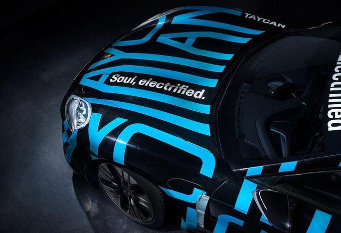 Porsche toont een glimp van de Taycan #1