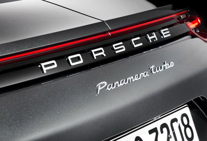 Porsche : une Panamera Coupé contre la BMW Série 8 #1