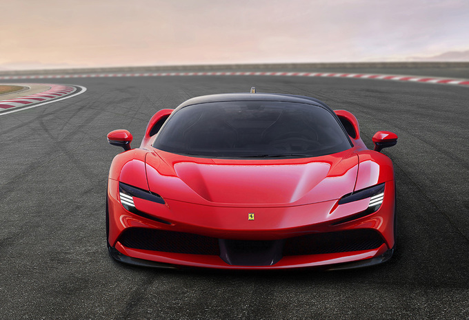 Ferrari SF90 Stradale : hybride rechargeable à 4 roues motrices #1