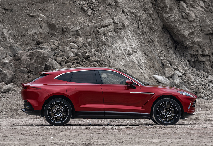 Aston Martin DBX wil de Porsche Cayenne achterna #1