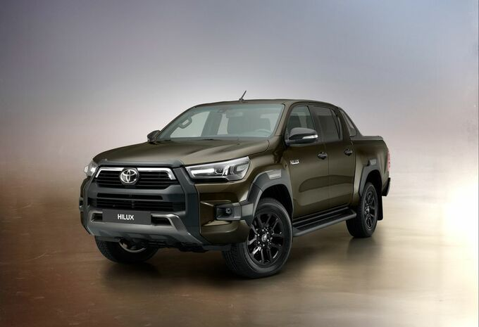Toyota Hilux : en tenue Invincible #1