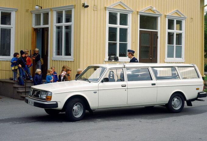 Le saviez-vous ? Les Volvo traversaient le Rideau de fer #1