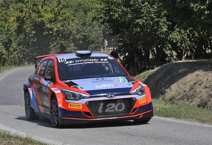 Belgen Thierry Neuville en Grégoire Munster scoren in Rally di Alba #1