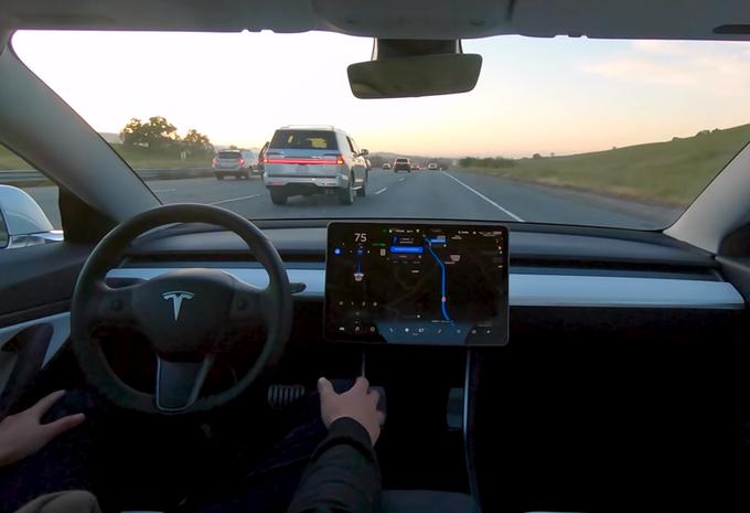 Tesla Full Self Driving, 10.000 $ mais pas pour l'Europe #1