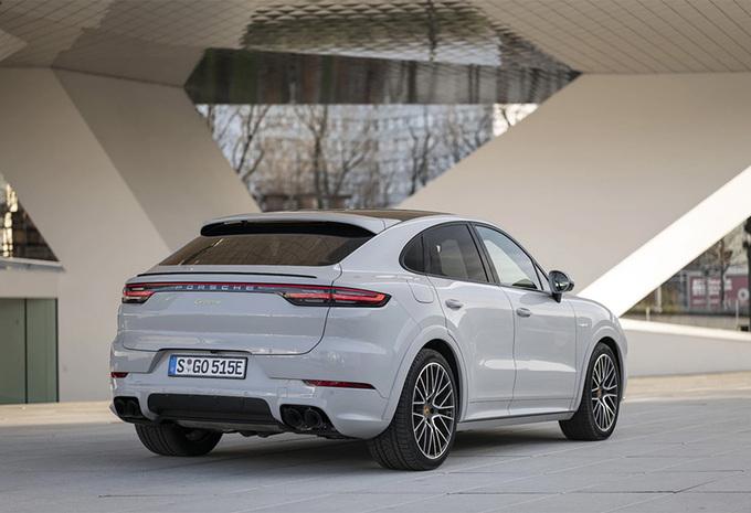 Porsche augmente la capacité des batteries du Cayenne Hybride #1