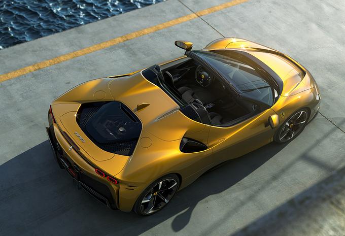 Ferrari SF90 Spider : 14 secondes pour tomber le toit