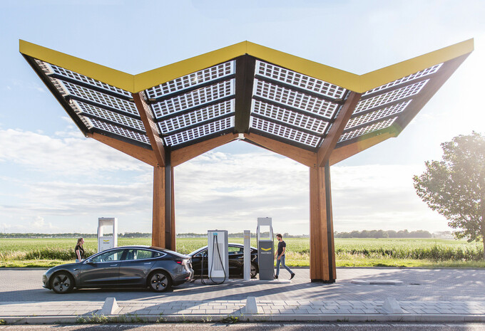 Autoroutes françaises : une station de recharge pour toutes les aires de service #1