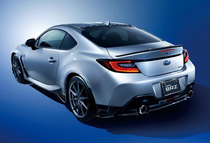 Subaru BRZ avec des accessoires STI Performance #1